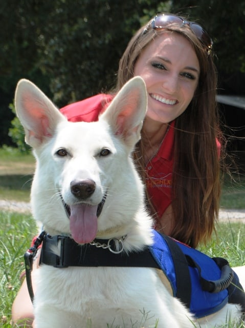 rachelle yates service dog trainer texas